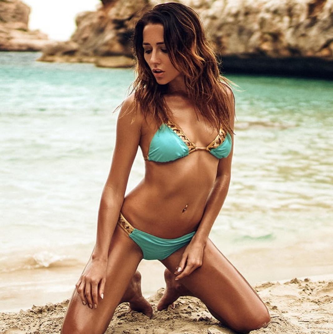 bikini model nicht nackt